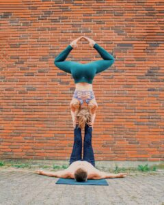 Reverse star acroyoga position