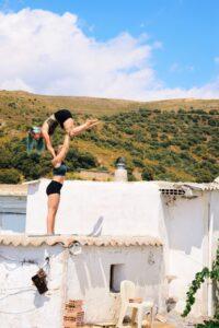 Z lift standing acrobatics