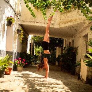 straight line handstand