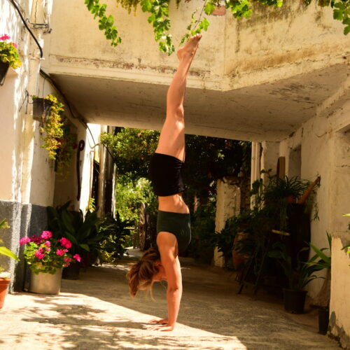 straight line handstand to deepen your yoga practice